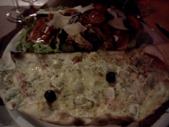 Pizza  Papa Joub (avec ravioles maison) + salade Joub