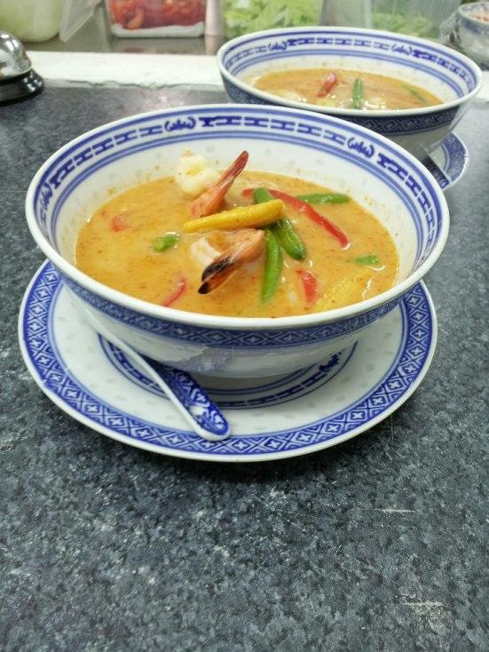 Potage Thai de crevettes au curry rouge et lait de coco Aroy-D à Capbreton