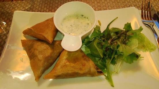 """Samoussa Nere"" boeuf au curry restaurant Thai à Capbreton"
