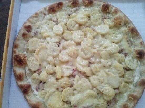 Pizza Montagnarde de La Pizz'Herria à Hossegor