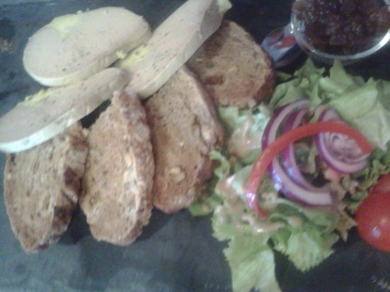 Toast de foie gras O'petits Oignons Restaurant Capbreton