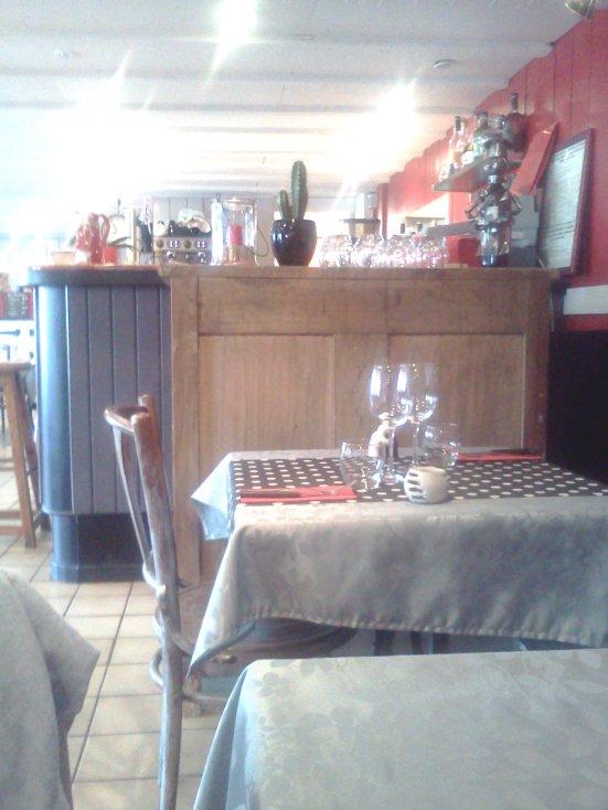 L'interieur cosy O'petits Oignons Restaurant Capbreton