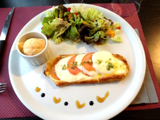 Tarte fine tomate mozarella et sorbet Tomate Basilic de l'Art Doiz à Capbreton