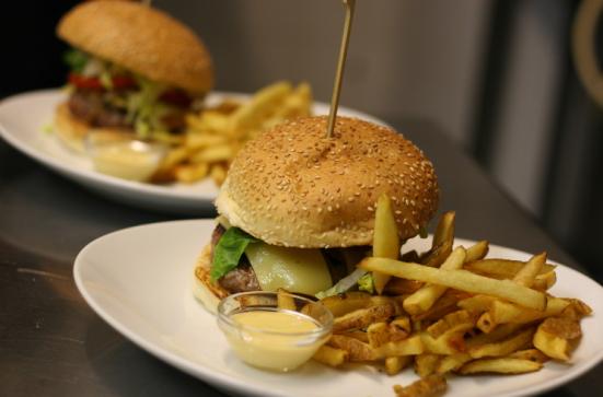 Cheesburger du Restaurant le Fou à Pieds Rouges à Capbreton