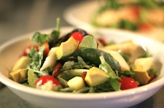 Salade Composée du Restaurant le Fou à Pieds Rouges à Capbreton