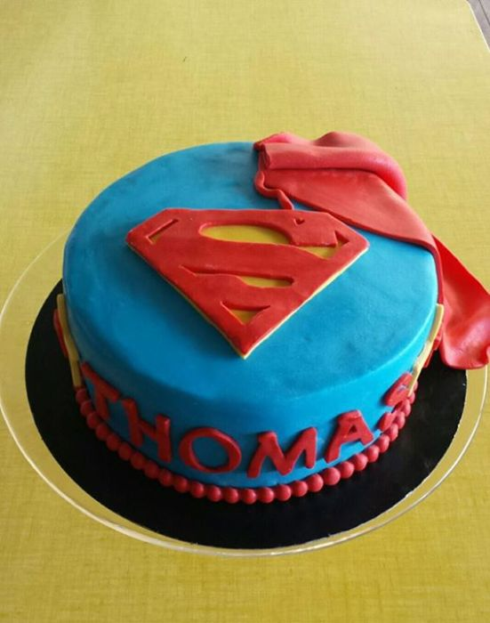 gateau superman signé made with love capbreton