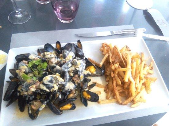 moule-sauce-chorizo-frites-maison-table-de-florence