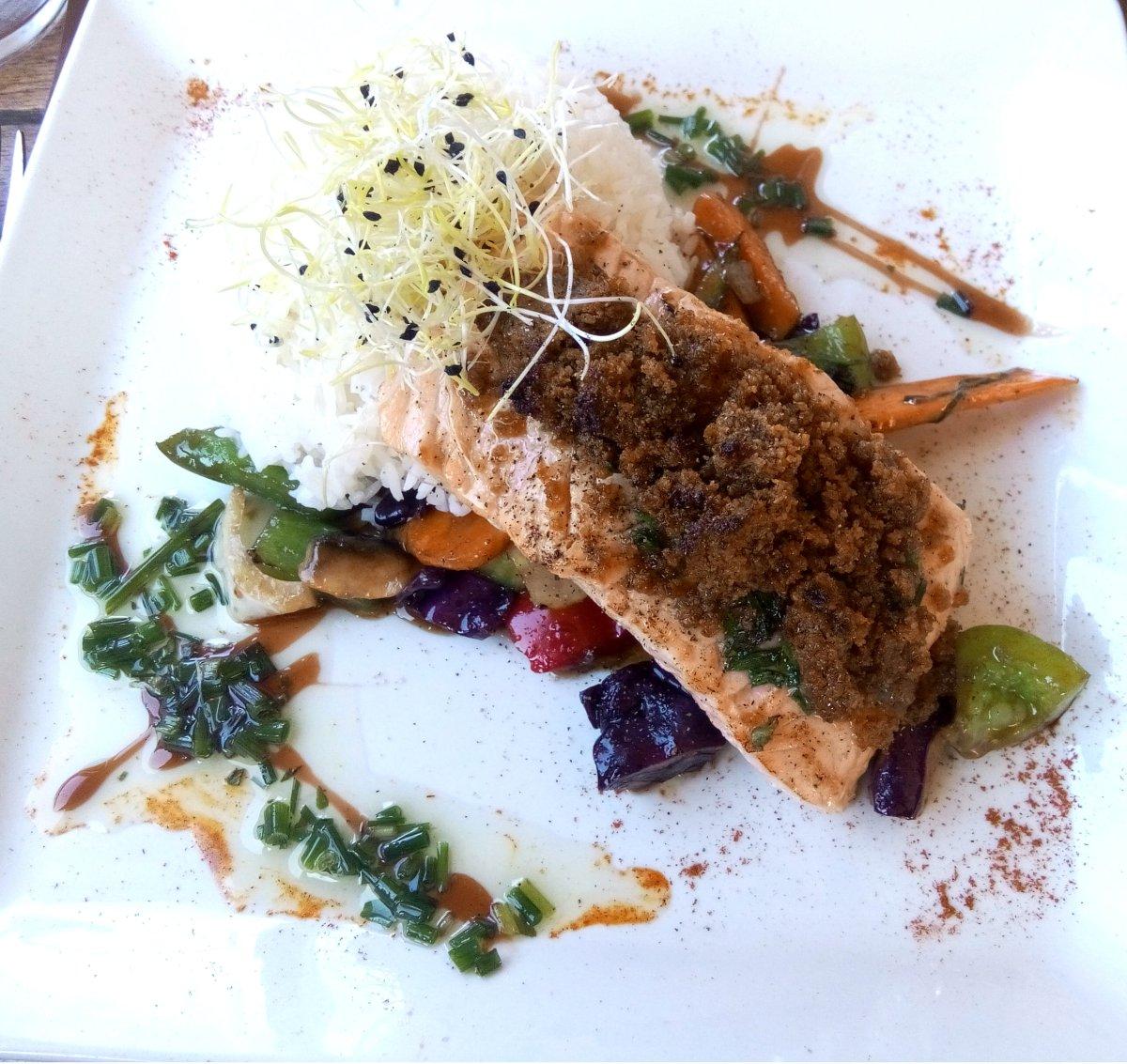 saumon-croute-tomates-les-mets-dalice-seignosse