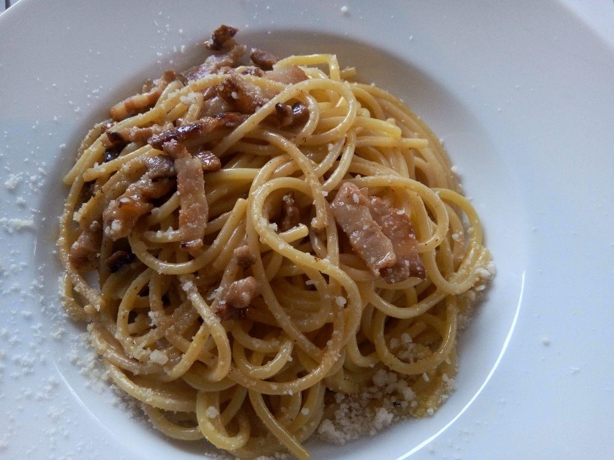 Spagghetti Alla Carbonara - sans crème fraîche, c'est la vraie recette